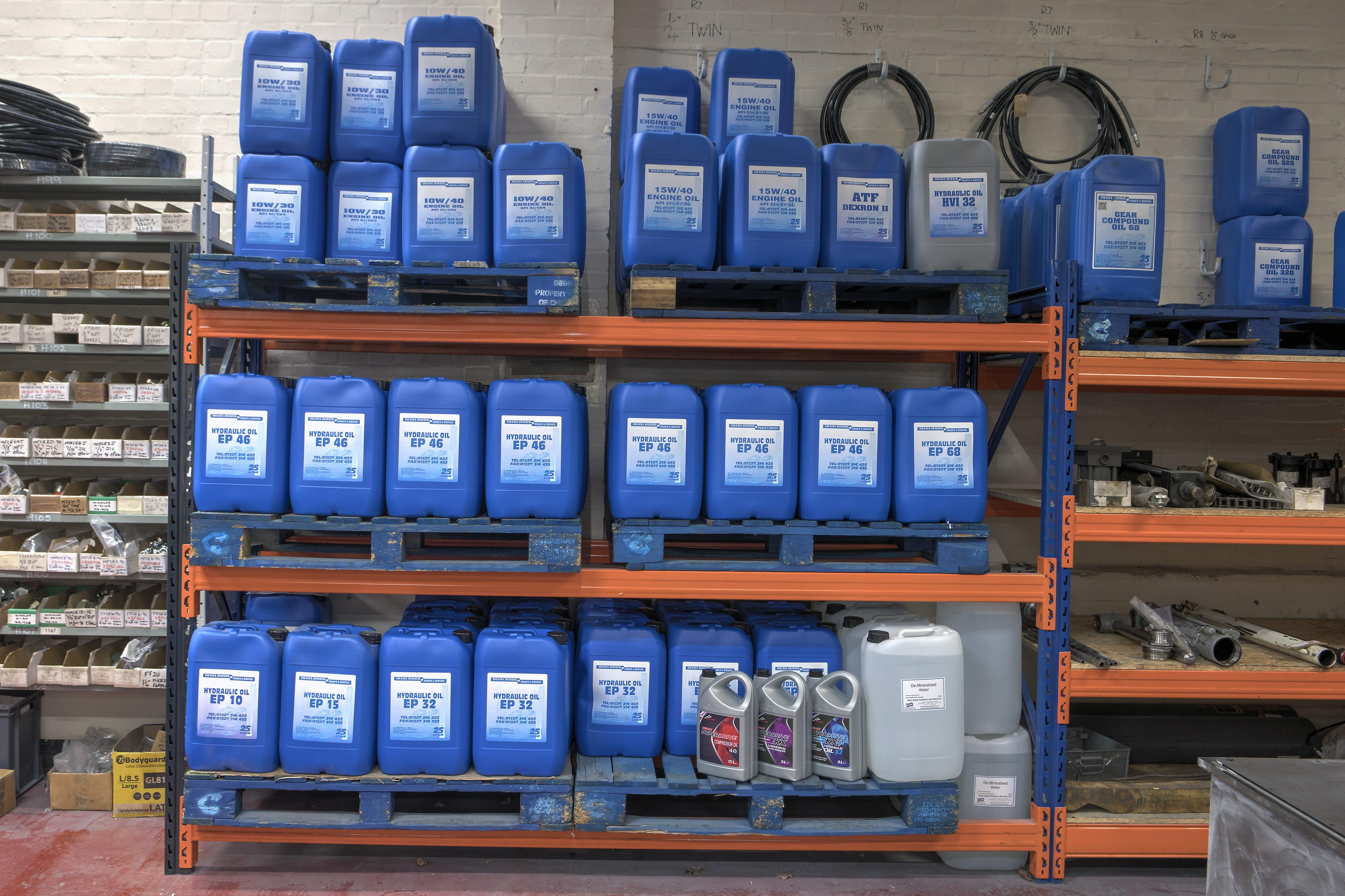 hydraulic oil tins