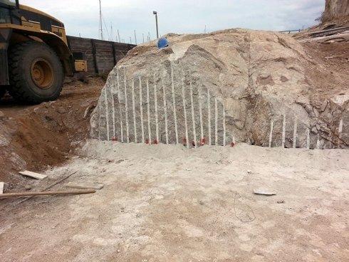 Demolizione roccia dura da mina
