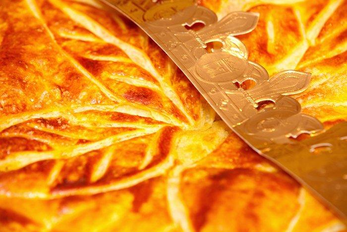 Passez un week-end gourmand grâce à la Galette des Rois à la confiture de Framboise des Petites Parisiennes