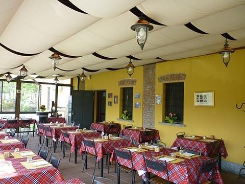sala-pranzo-cena-osteria-del-naviglio