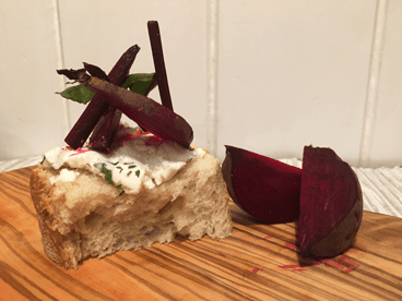 Goat's cheese tart with beetroot garnish