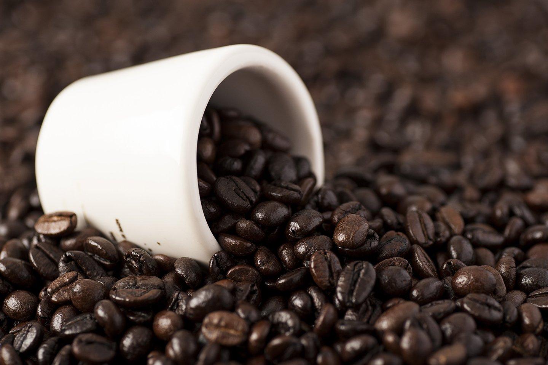 tazzina da caffe con chicchi