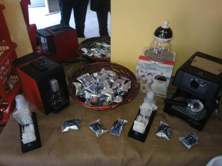 assortimento cialde e macchine espresso