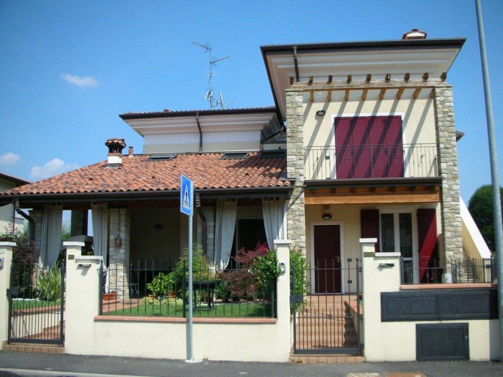Progetto villa trifamigliare