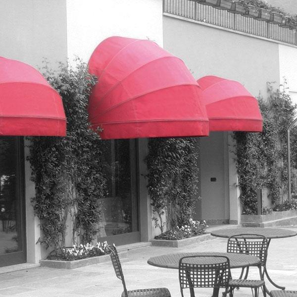 tende a capottina in tinta unita rifinitura rosa