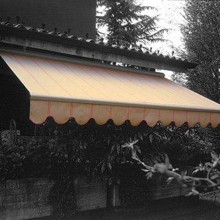tenda da sole con cassonetto per protezione invernale