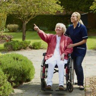 Passeggiate con anziani