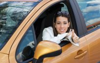 Woman satisfied with auto glass replacement in Fairbanks, AK
