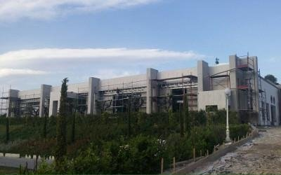 vista di un edificio in ristrutturazione