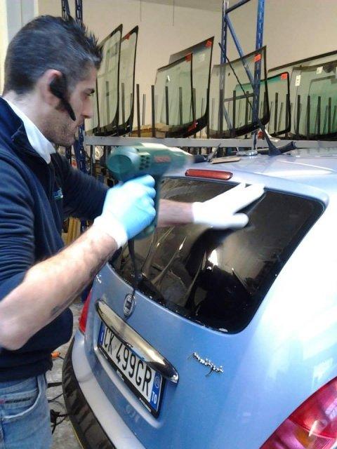 riparazione o sostituzione vetri