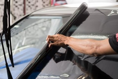 pellicola per vetri auto