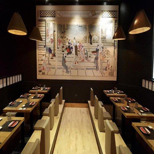 tavoli apparecchiati stile giapponese