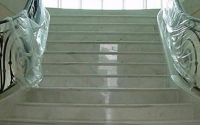 lucidatura scale di marmo