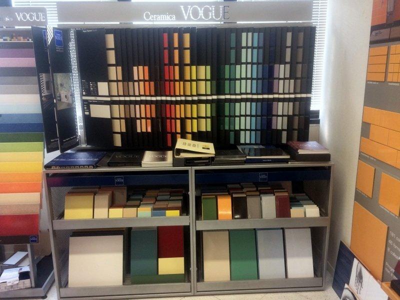campioni di piastrelle interni di vario colore