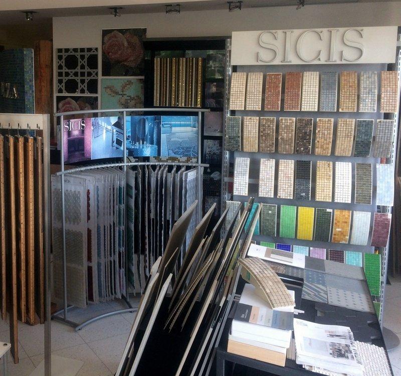vista showroom con campioni di marca sigis
