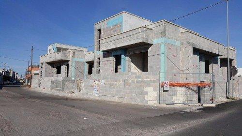 Edificio costruito con mattoni di cemento