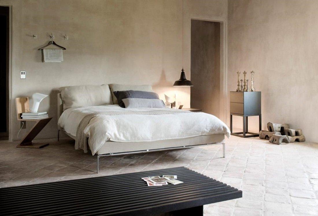 un letto matrimoniale in una camera
