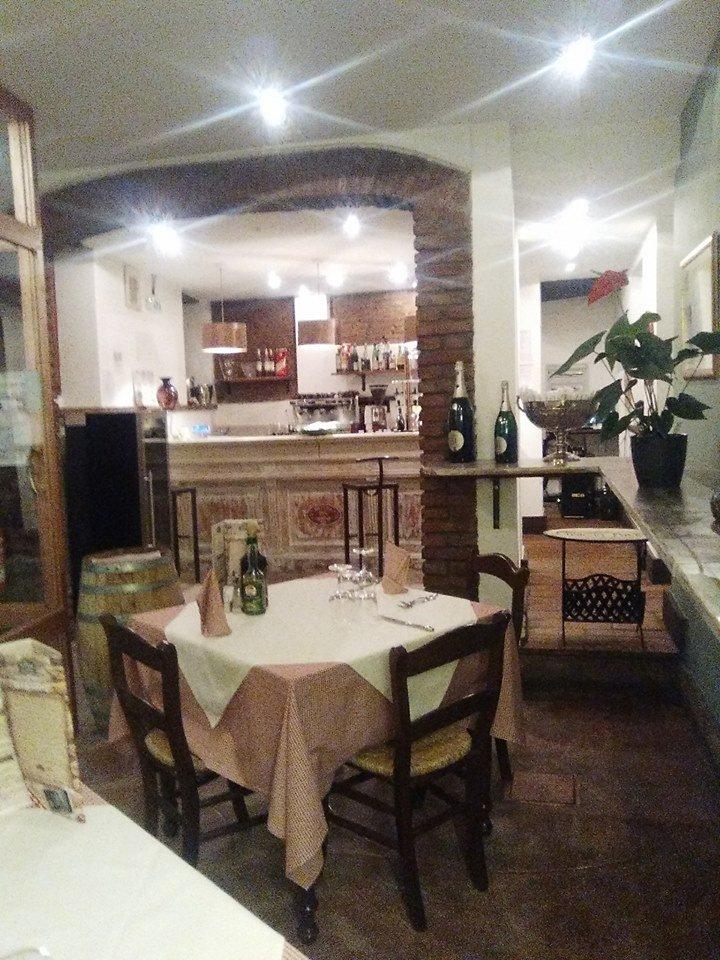 un tavolo nel ristorante