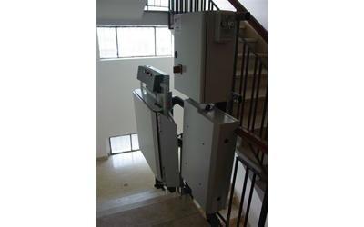 montascale curvilineo per disabili appartamento