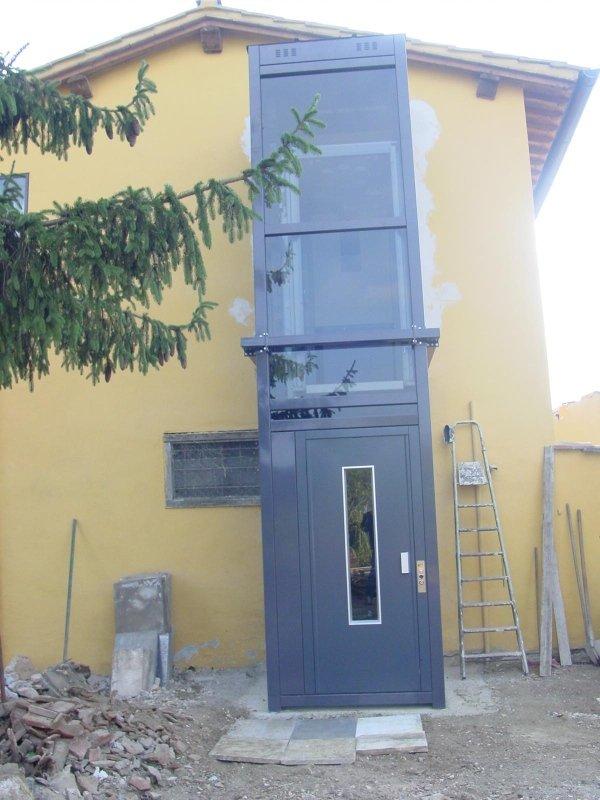 Installazione elevatore in casa colonica