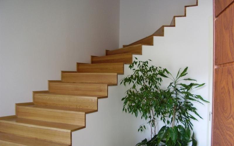 Realizzazione scale in legno Cuneo