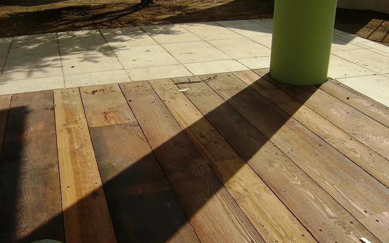 Decking e pavimenti per esterni