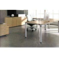 mobili in legno chiaro per uffici
