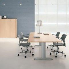 scrivanie sala riunioni