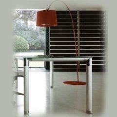 tavoli in vetro per ufficio