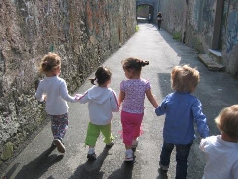 Socializzare, bambini, giochi, allegria