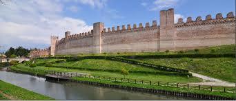castello con fortezza
