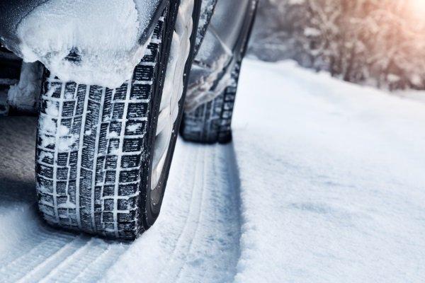 pneumatico invernale di neve