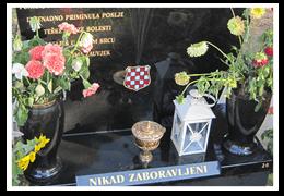 Granite vases, Fine art - hand painted emblem, bronzeware