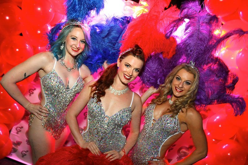 Burlesque showgirls