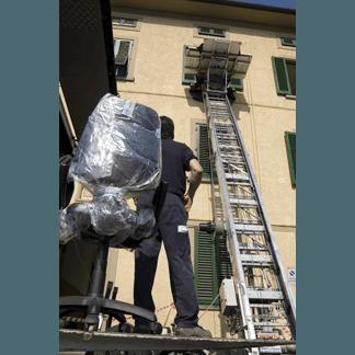 trasloco con  scala aerea