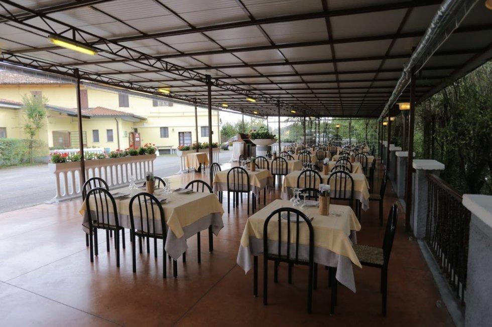 ristorante con veranda estiva