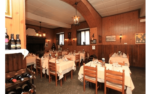 sala in stile rustico