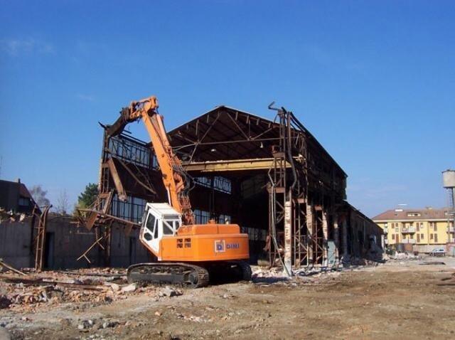mezzo per demolizione