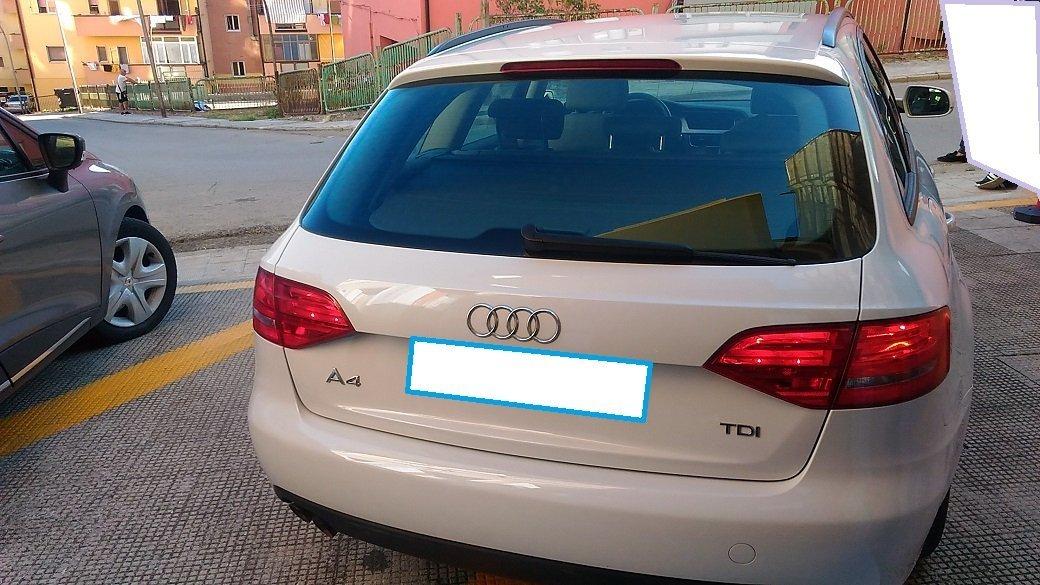 retro di un'Audi A4