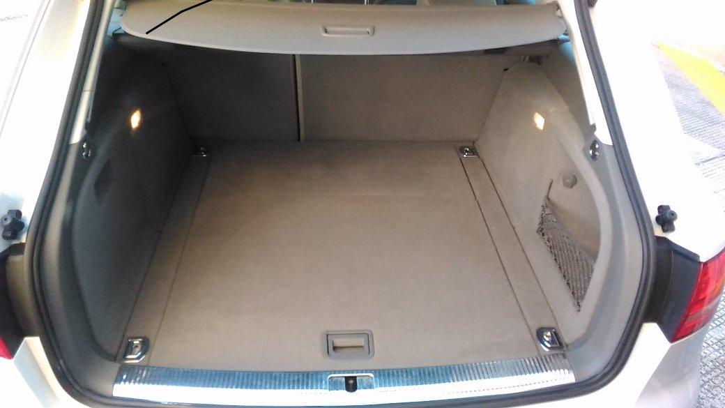 cofano di un'Audi A4