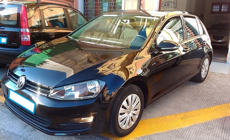 auto utilitaria a marchio Volkswagen