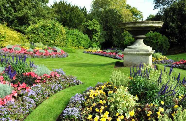 flowerbeds-garden