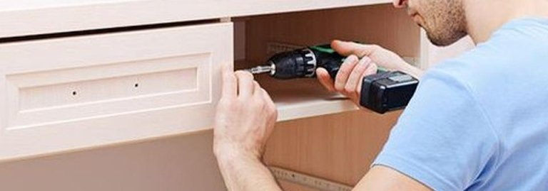 montaggio e rimontaggio mobili