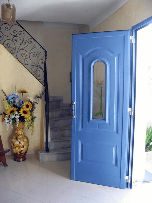 ABL serramenti realizza porte blindate per abitazioni private e strutture pubbliche.