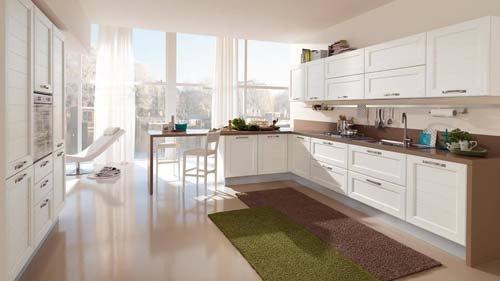 cucina chiara con tappeto