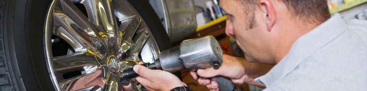 colgrave chris automotive mechanic bolting tyre