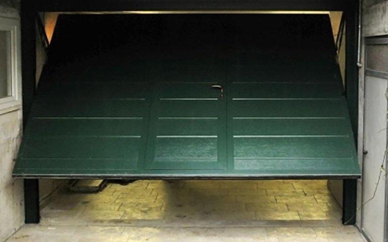 Automazione per porta basculante