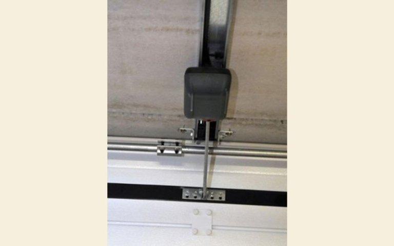 collegamento automatico a muro per garage