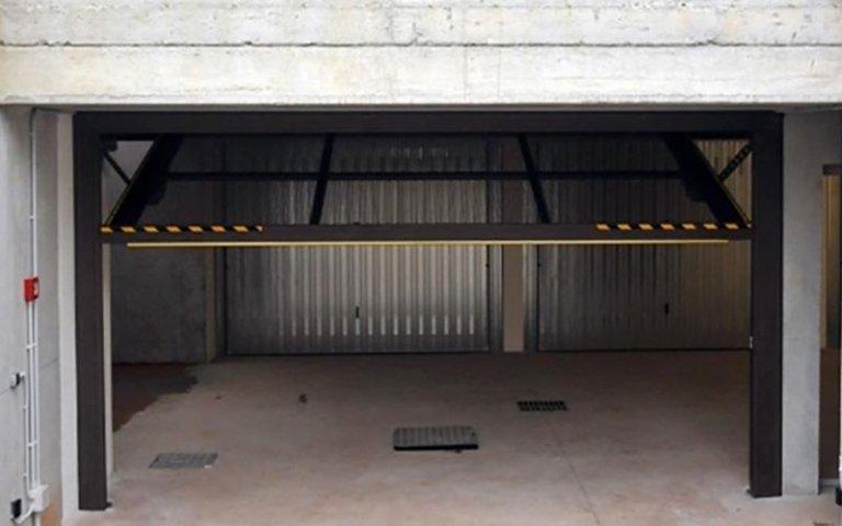 porta garage basculante automatizzata