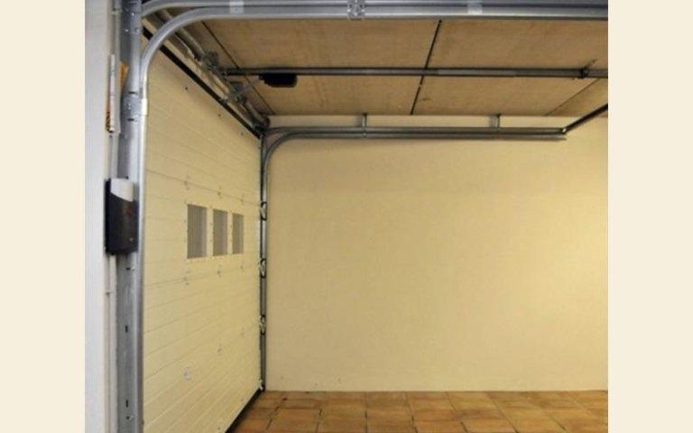 collegamenti per permettere l`automatismo di  un garage